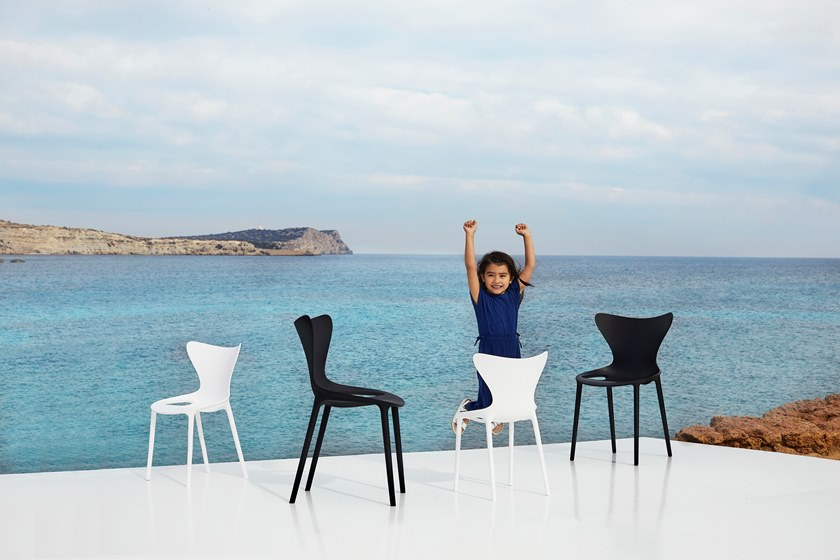 christmas gifts ideas; vondom love chair; novo design indonesia